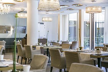 Maax_1549111204.restaurant